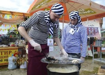 На фестивале «Уха-царица» сварят500 литров ухи и испекут1000 расстегаев