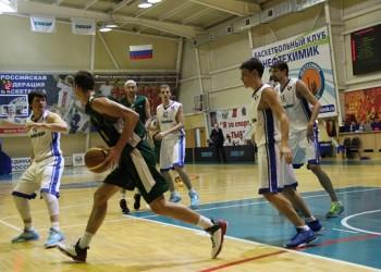 Тобольский «Нефтехимик» разделил очки с нижнетагильскими баскетболистами