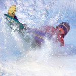 В Тобольске водитель снегохода сбил ребенка на горке