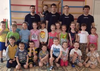 Игроки ФК «Тобол» в детском саду. Фоторепортаж.