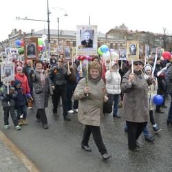 Тысячи тоболяков вышли на парад Победы