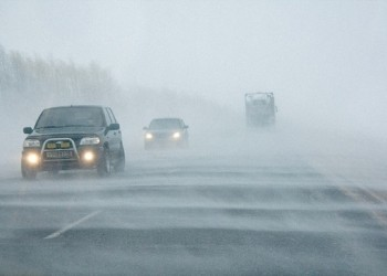 Тобольских водителей призывают отказаться от поездок из-за плохой погоды