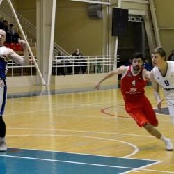 Тобольский «Нефтехимик» дважды одолел баскетболистов из Черкесска
