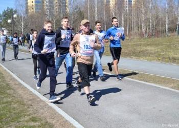 Тоболяки почтили память Дмитрия Менделеева традиционным пробегом