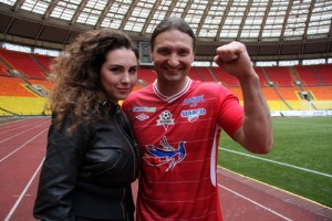 Певец Иракли и дрессировщик Эдгард Запашный сыграют в футбол в Тобольске