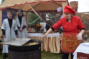 На фестивале «Уха-царица» сварят 500 литров ухи и приготовят 1000 котлет