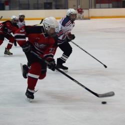 Юные тобольские хоккеисты дважды переиграли тюменский «Рубин». Фото