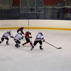 Тоболяков ждут на соревнованиях по хоккею и плаванию