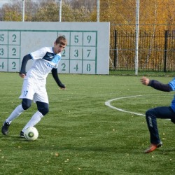 ФК «Тобол» сыграл в футбол со своими болельщиками. Фото