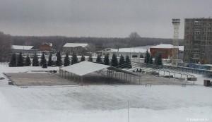 На стадионе «Тобол» возводят шатер для новогодних мероприятий СИБУРа