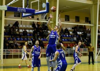 Тобольские баскетболисты дважды уступили лидеру чемпионата