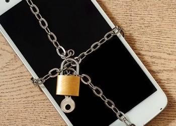 Вакцинация по-уральски: бизнес вступил в борьбу с мобильной эпидемией