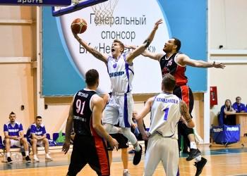 БК «Нефтехимик» обменялся победами с чебоксарскими баскетболистами