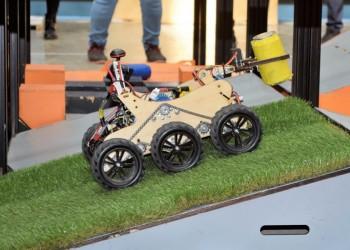Соревнования по робототехнике в Тобольске в 15 фотографиях