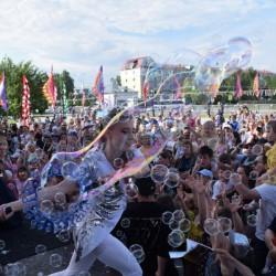 Шоу мыльных пузырей в 10 фото и одном видео