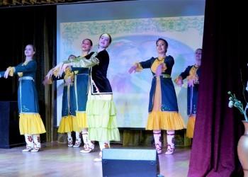Артисты центра сибирско-татарской культуры поздравили пожилых тоболяков