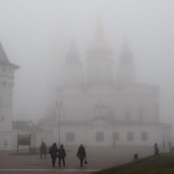 Туманные прогулки в тобольском кремле. Фото