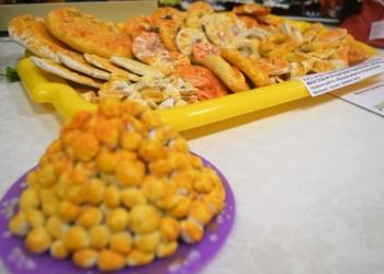 Национальная еда, игрушки и одежда на выставке сибирских татар