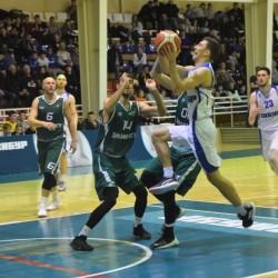 Тобольские баскетболисты проиграли в последних матчах года