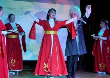В центре сибирско-татарской культуры поздравили мам с праздником