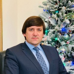 Максим Афанасьев поздравил тоболяков с Новым годом