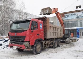 В Тобольске продолжается реконструкция СК «Молодость». Фото