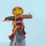 Масленица в Тобольске: блинный забег, покорение столба, гигантский канат