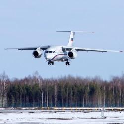 В тобольском аэропорту приземлился первый самолет. Это тестовый АН-148