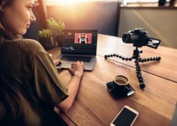 В мультицентре в режиме онлайн проходят лекции, шоу и квартирники