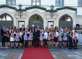 Медаль за успехи в учении получили 59 выпускников Тобольска