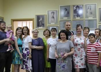На выставке в Тобольске представят копии фотографии семьи Романовых