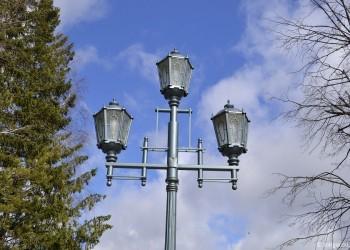 На улице Ремезова установили высокотехнологичные фонари