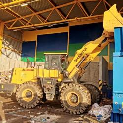 Первые 100 тонн отходов обработали на новом мусоросортировочном заводе