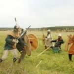 Тобольские реконструкторы прошли средневековые сборы в лесах Урала