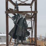 На Базарной площади началась установка памятника Алябьеву