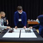 В Тобольске роботы перетягивали канат и преодолевали полосу препятствий